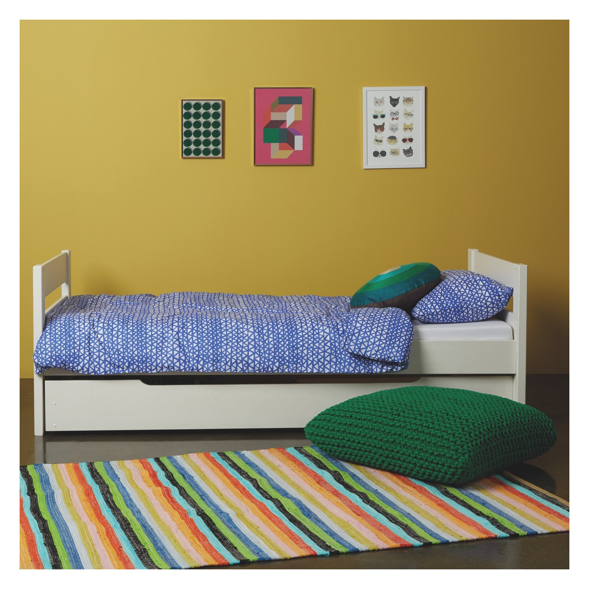 Kids' White EU Single Trundle Bed With Guest Mattress