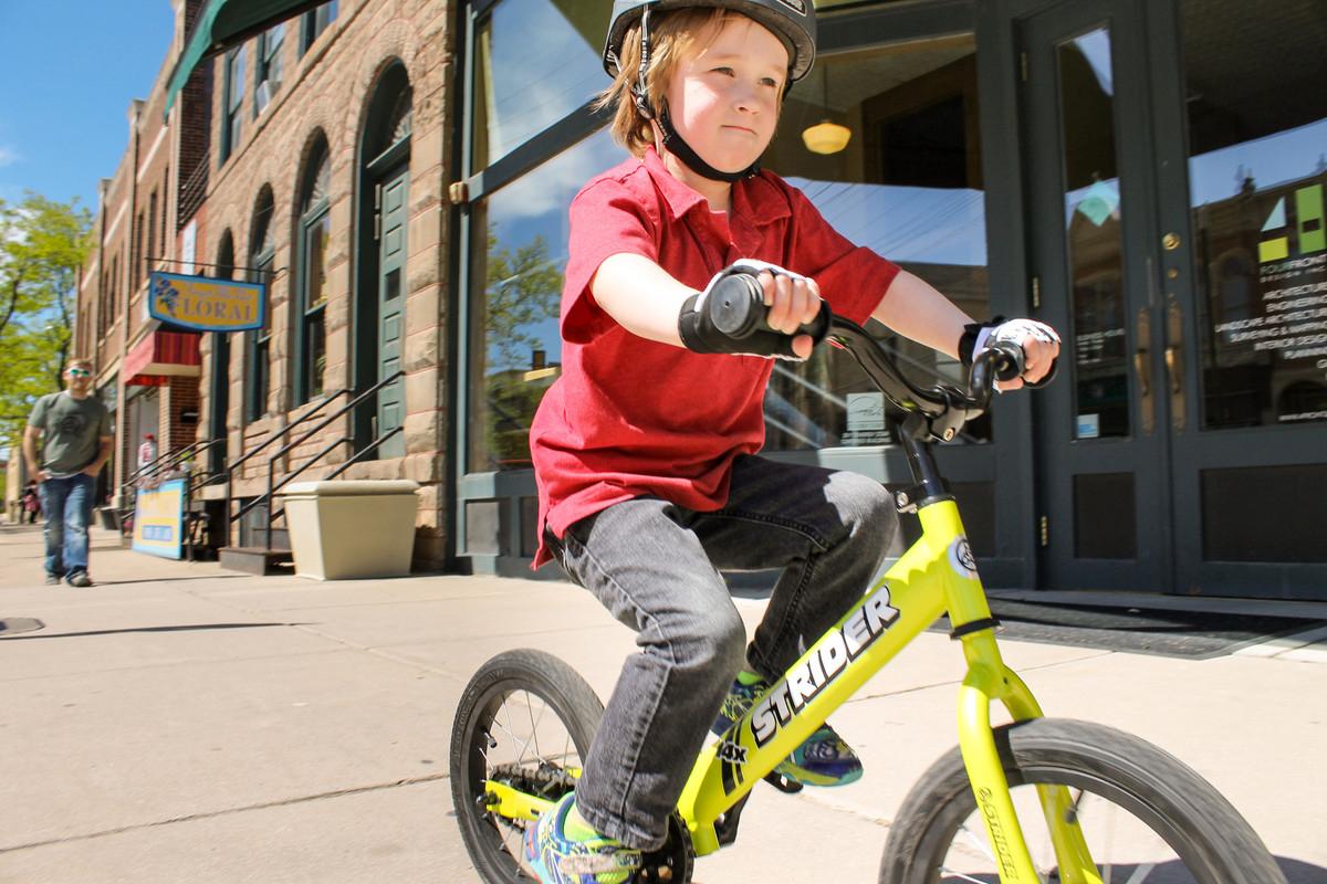 Strider pedaling bike