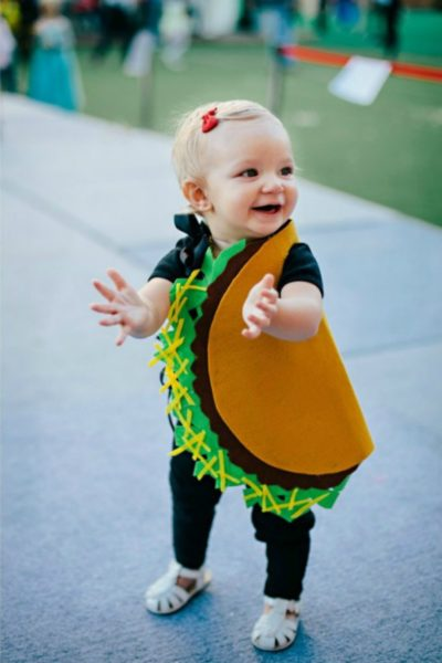 Baby-Taco-Costume-Halloween-Wayfarer-Family-Feature-Image-1080x1623